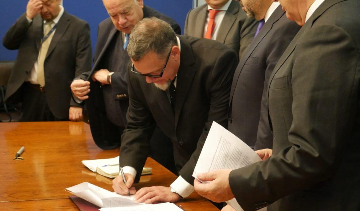 Senador Lagos Weber se sumó a acuerdo transversal entre parlamentarios y gobierno para el control de armas