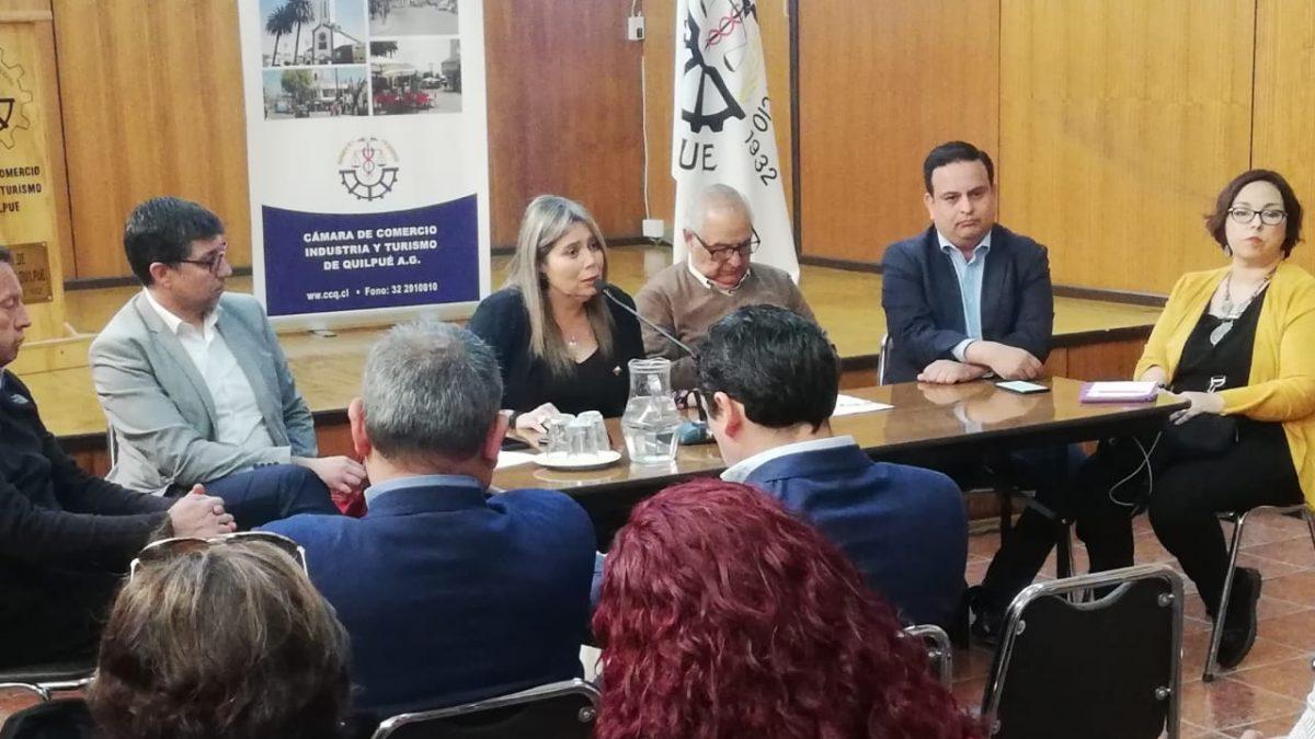 Gobernadora de Marga Marga se reúne con comerciantes afectados en Quilpué y Villa Alemana