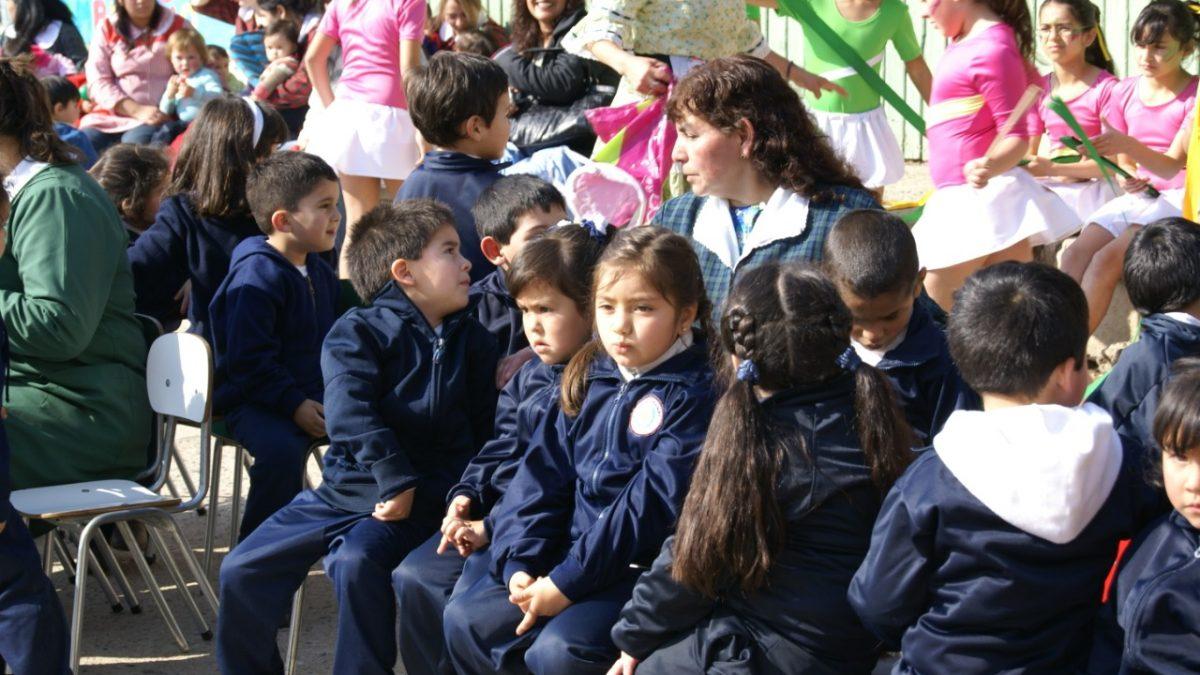 Entregarán apoyo psicológico a niños y niñas de jardines, escuelas y liceos municipales de Valparaíso