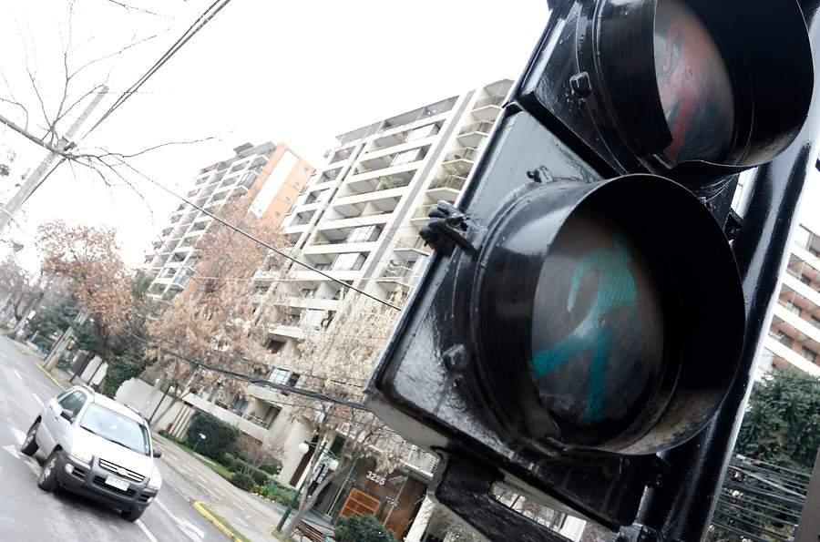 Plan del Minvu para recuperación de espacios públicos incluirá semáforos en al menos 24 puntos de Valparaíso.