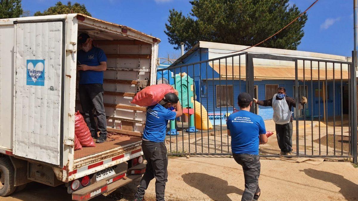 Twitteros Solidarios ha entregado alimentos a  114 ollas comunes de la zona en tiempos de pandemia