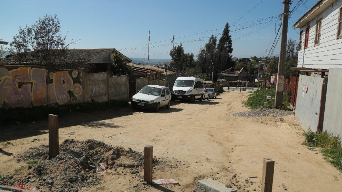Quilpué: Municipio ejecuta reparaciones de calles  con contratación de mano de obra local