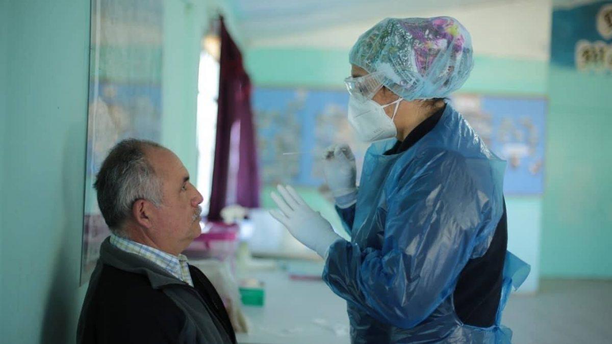 Salud Municipal de Quilpué realiza toma de exámenes PCR en juntas de vecinos de la comuna