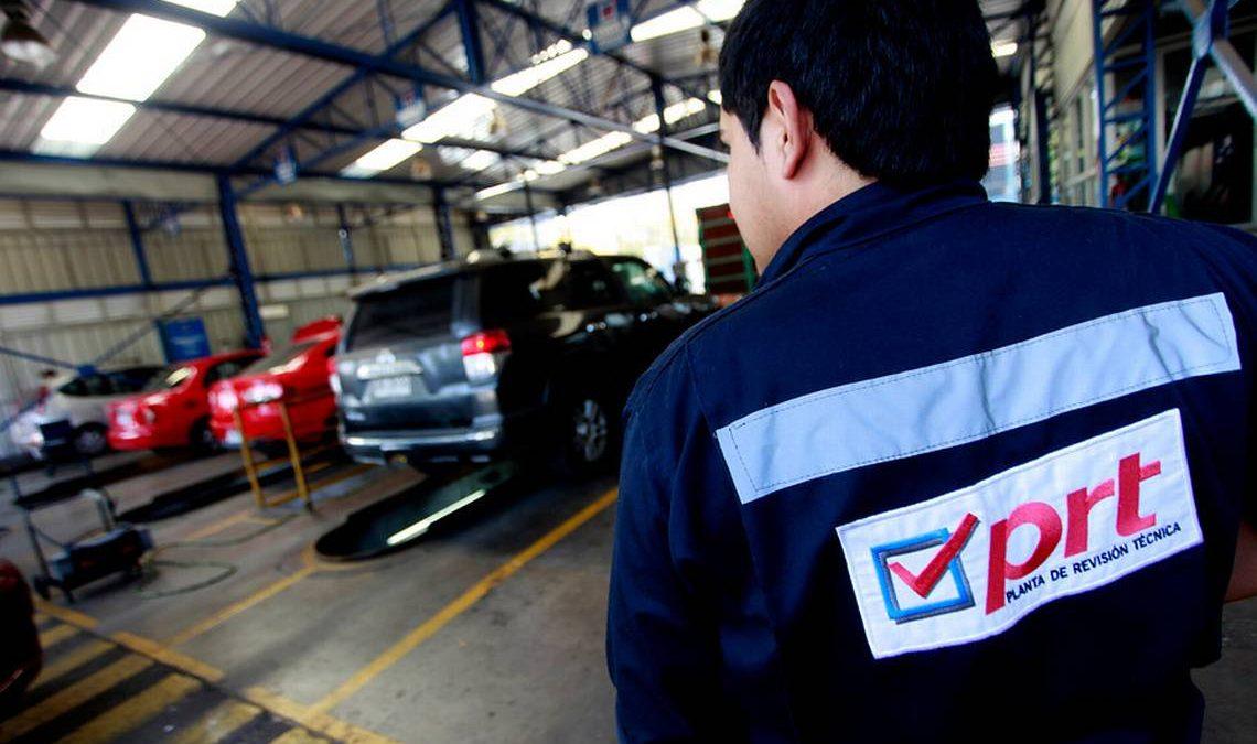 Prorrogan vigencia de revisiones técnicas para autos con patentes finalizadas en 0