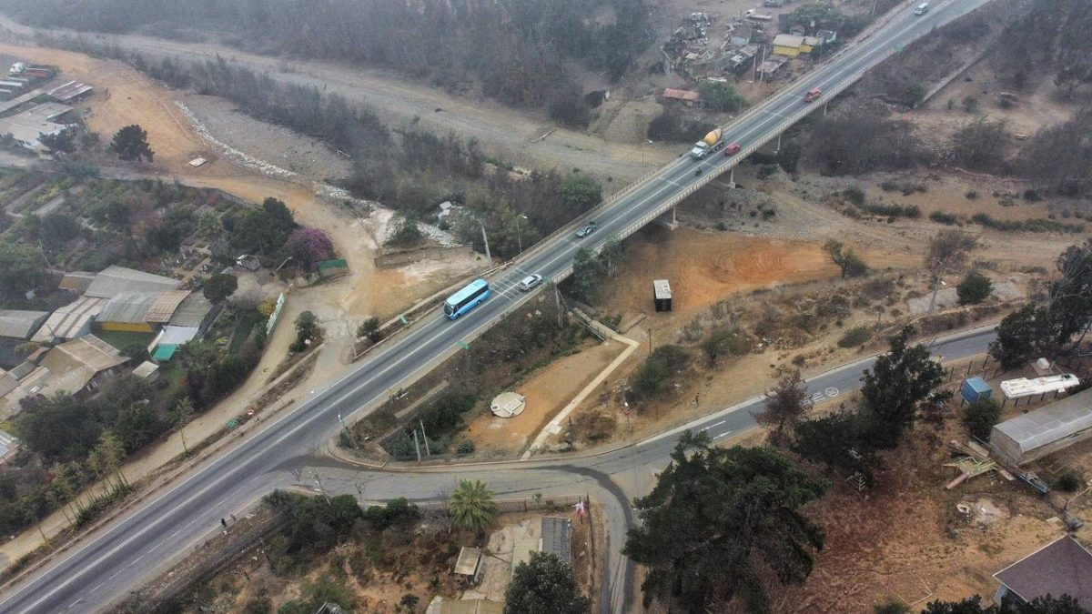 MOP construye nuevo puente Limache en Ruta 64