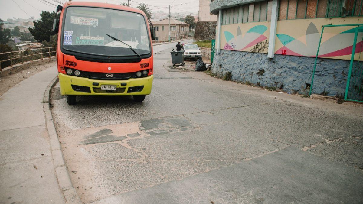 Alcaldía Ciudadana invertirá más de $80 millones en mantención y reparación de calles de Valparaíso