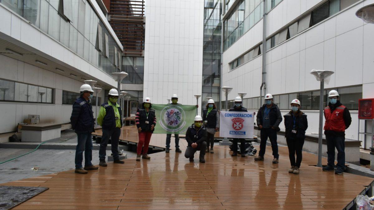 Dirigentes gremiales del Hospital Claudio Vicuña de San Antonio visitan obras del futuro recinto asistencial