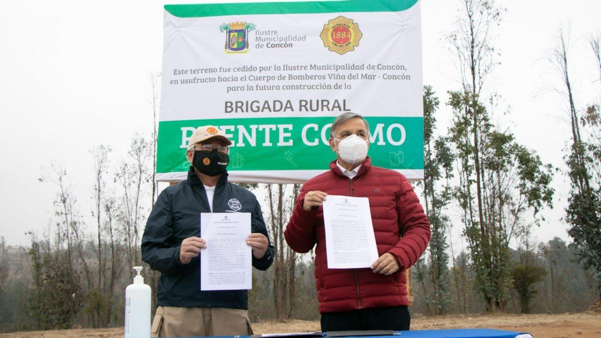 Municipio de Concón entrega en usufructo terreno para Bomberos en el sector rural
