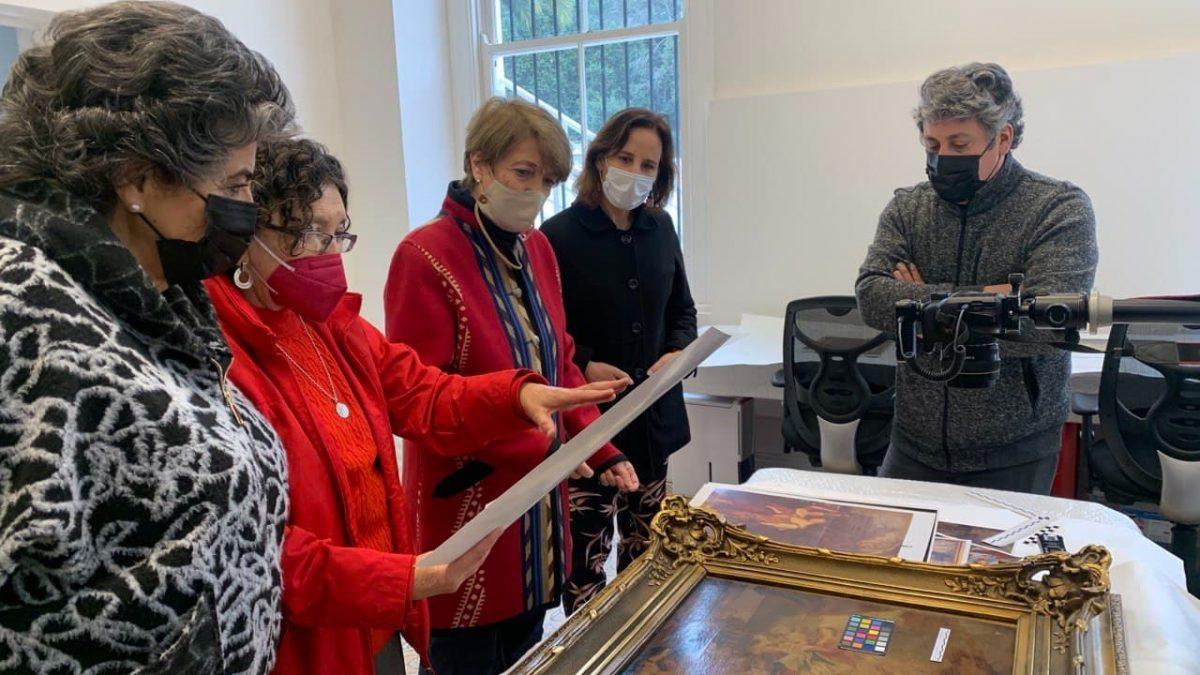 Ministra de cultura conoció trabajos finales de la restauración del palacio Vergara de Viña del Mar