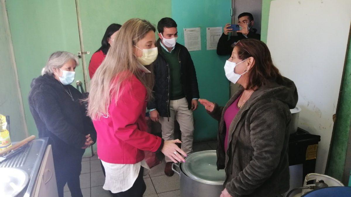 Mujeres líderes de ollas comunes son reconocidas por su importante labor social durante la pandemia