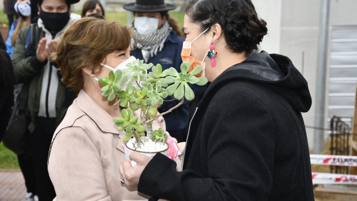 Comparsa, sahumerios, colores y rituales mapuches fueron parte del primer Lunes de Javiera Toledo como Alcaldesa de Villa Alemana
