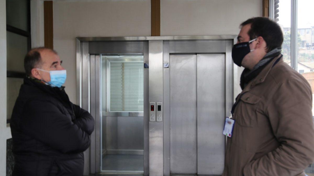 Hospital Van Buren Recupera Ascensores paralizados por casi una Década