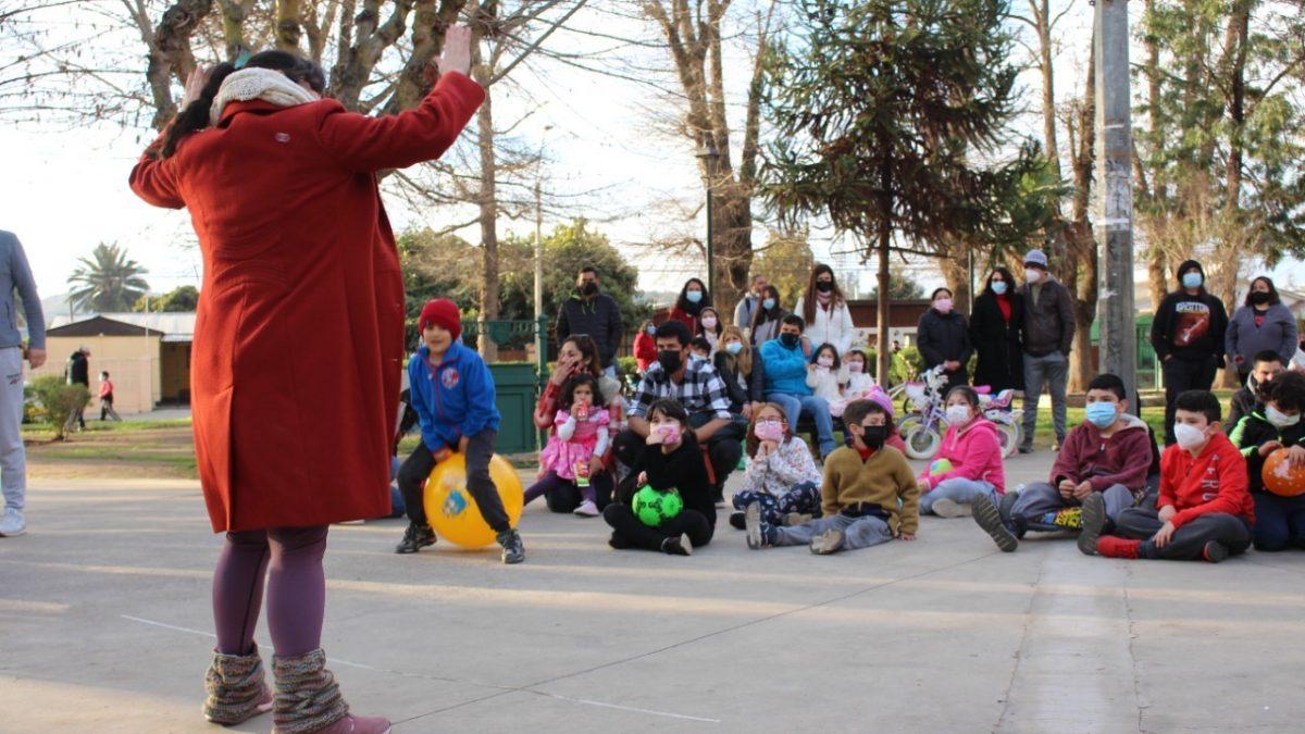 Más de 40 artistas de Villa Alemana llevaron cultura y entretención a cientos de niñas y niños en conmemoración del día de la niñez en la comuna