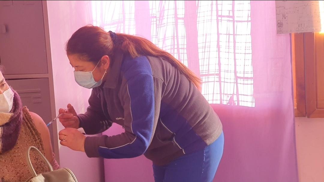 Más de 850 personas han recibido la dosis de refuerzo contra el covid19 en San Esteban