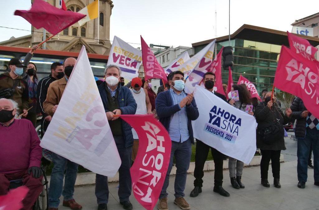 Esteban Vega Toro lanza campaña a diputado por el distrito 7 con banderazo en la Plaza Sucre de Viña del Mar