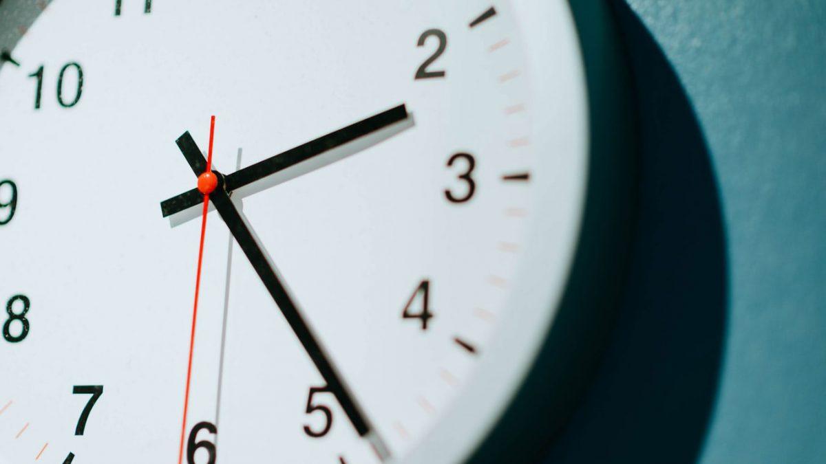 Cambio de hora: este sábado los relojes se adelantarán una hora.