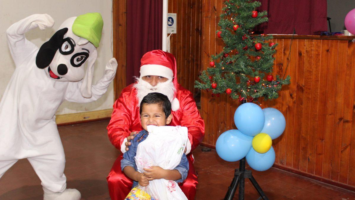 Dideco llama a juntas de vecinos a enviar listado de niños y niñas para entrega de juguetes en navidad